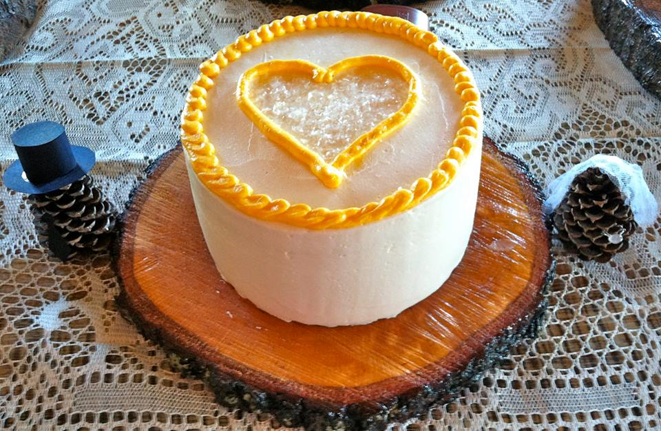 wedding cakes charleston sc by Honey's Baking